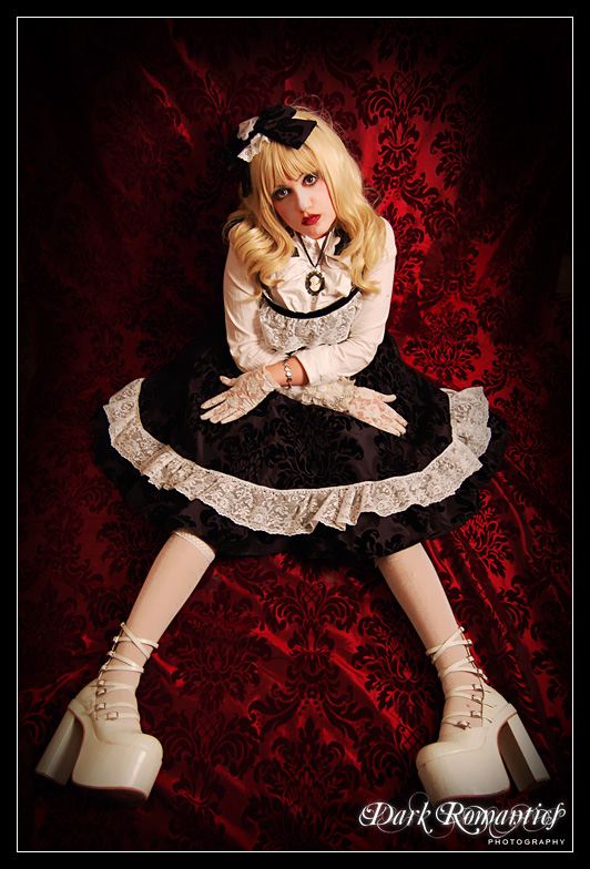 southampton Dec 13, 2008 Dark Romantics Photography EGL JSK from Gothic and Lolita Bible