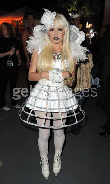 Dec 14, 2008 Kelri- Scream Awards performance