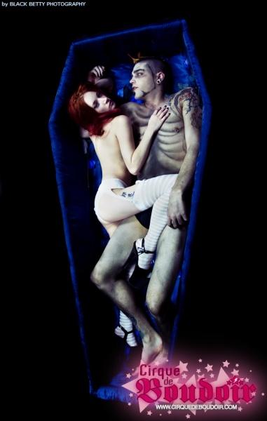 Montreal Dec 15, 2008 Cirque de Boudoir.com Andrea Hausmann photography .  Nekromantik