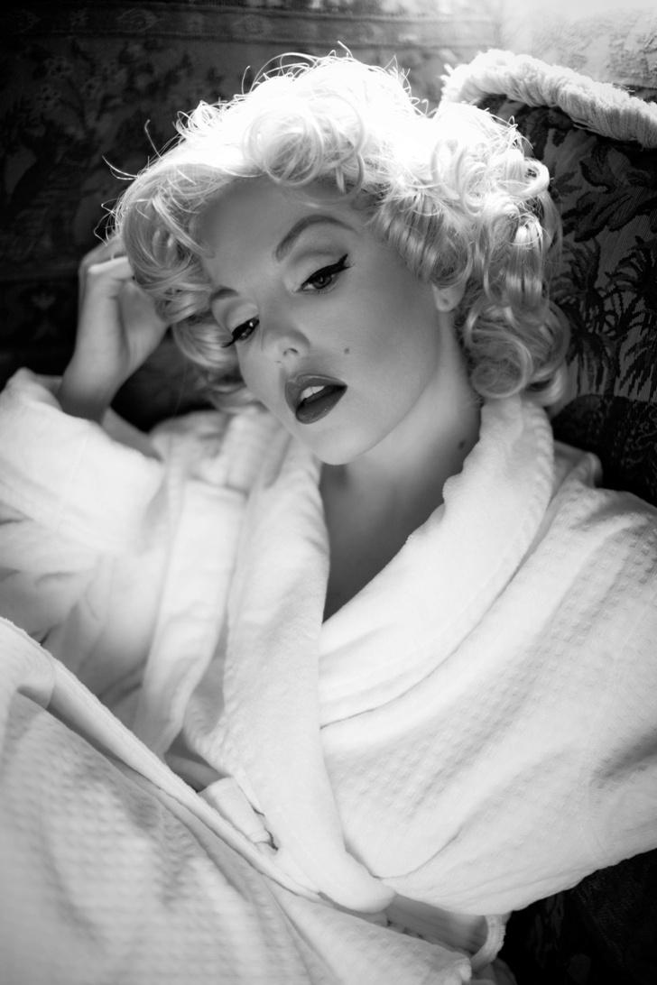 Boynton Beach, FL Dec 24, 2008 Marilyn Monroe Shoot 1