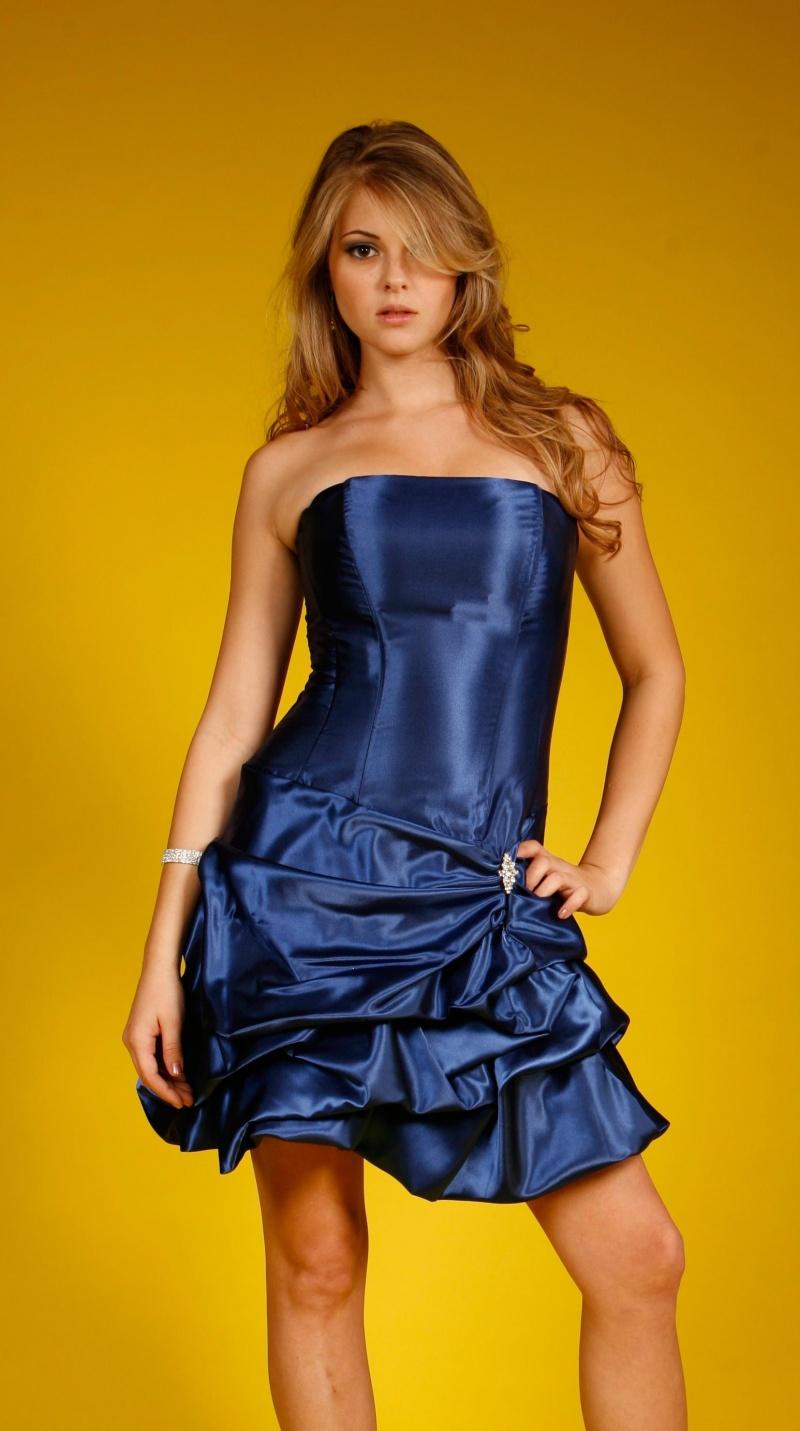 Dec 24, 2008 Duvall blue dress. unedited