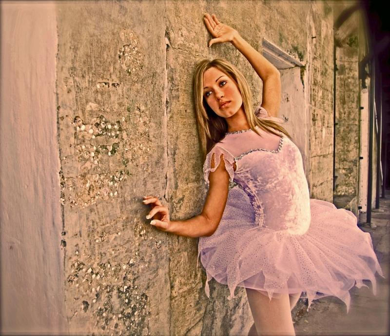 St Pete Fl Jan 01, 2009 photostationfl@mac.com She dances out of love since age 2