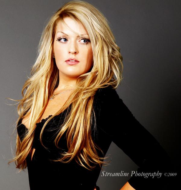 Female model photo shoot of jenna xo
