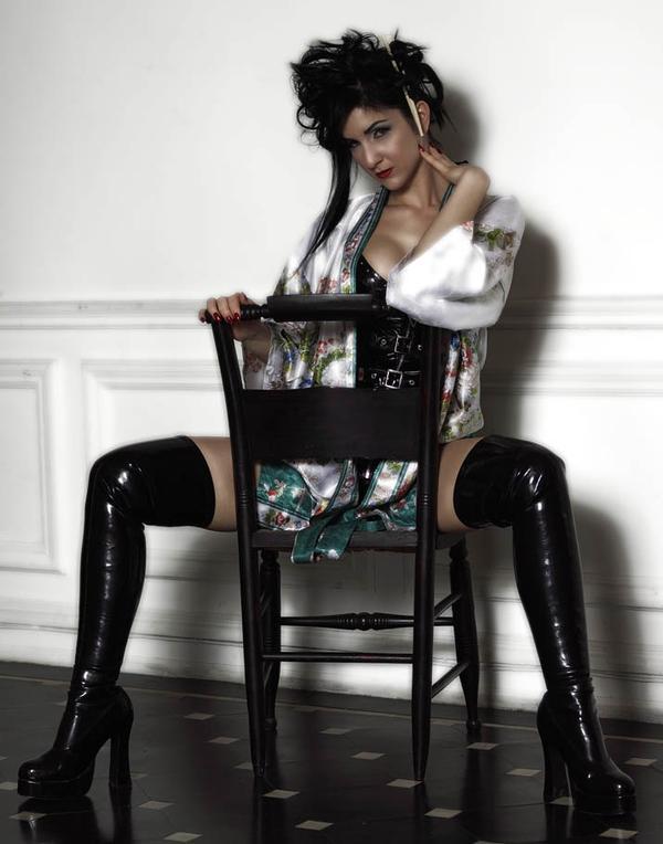NYC Jan 02, 2009 Liz Zusev 2005 Geisha Inspired