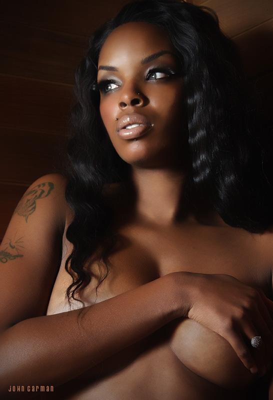 Female model photo shoot of Nicole Dixie