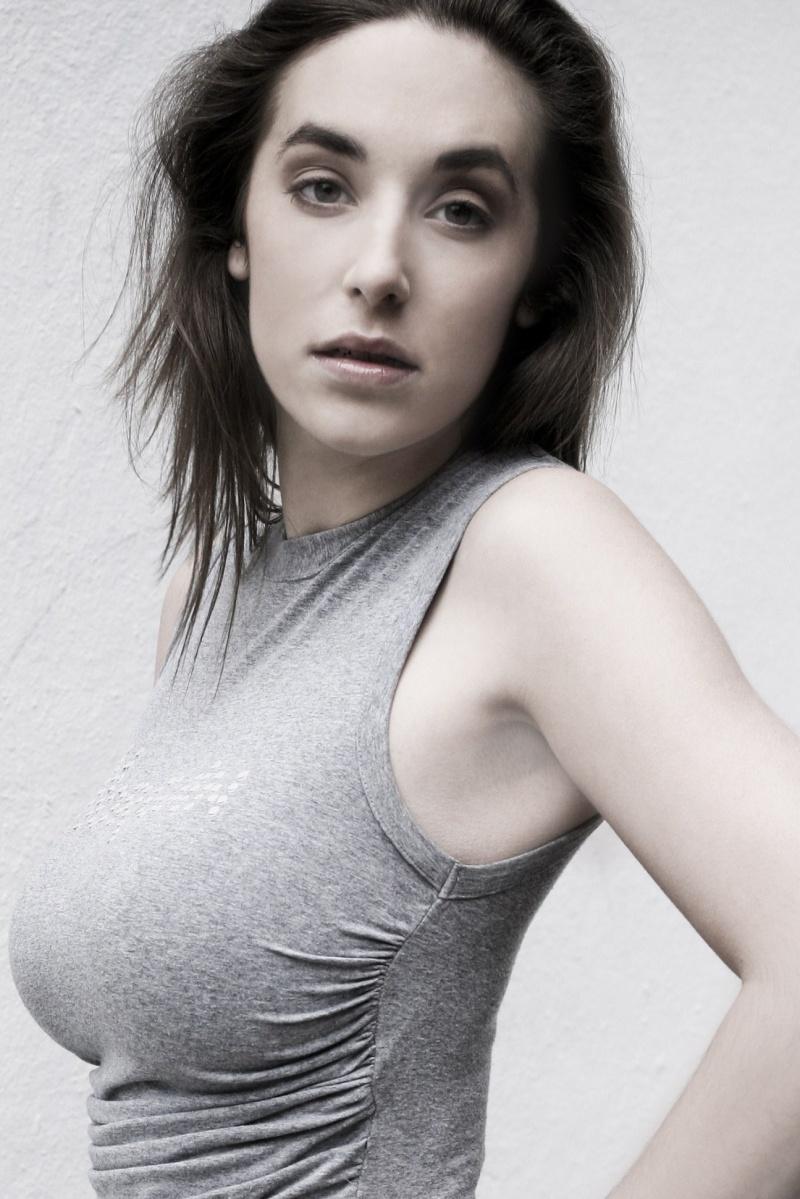 Female model photo shoot of Bianca Lorena