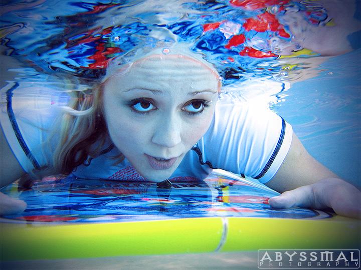 Jan 08, 2009 Steven Shea/ Abyssmal Photography Dive dive dive!!!
