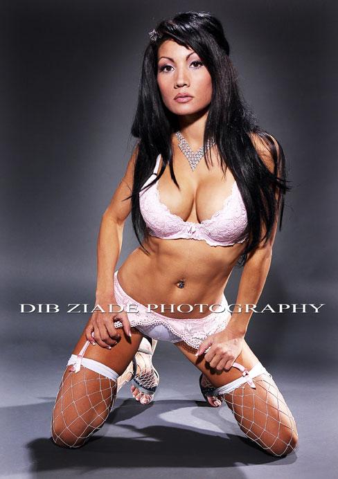 http://photos.modelmayhem.com/photos/090108/21/4966e494262de.jpg