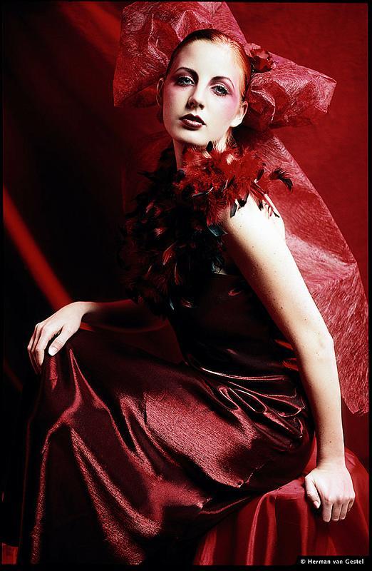 http://photos.modelmayhem.com/photos/090111/05/4969f02de3a70.jpg