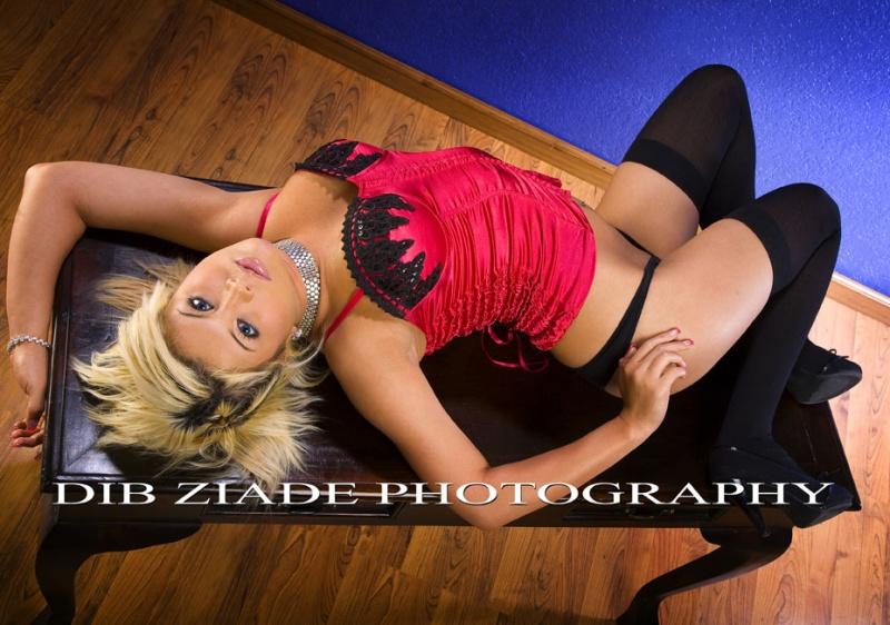 http://photos.modelmayhem.com/photos/090111/19/496ab3c4249c5.jpg