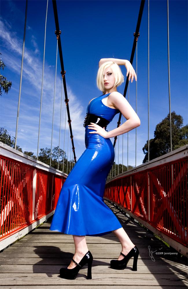 bridge Jan 16, 2009 jenni white Blue Fashionista