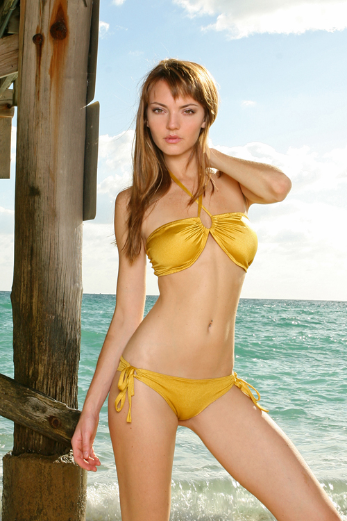 Female model photo shoot of MAUI X LOLITA