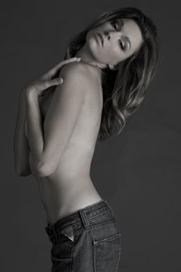 Jan 23, 2009 Owen Stuart Photography Model: Sarah, MUA: Monx Love