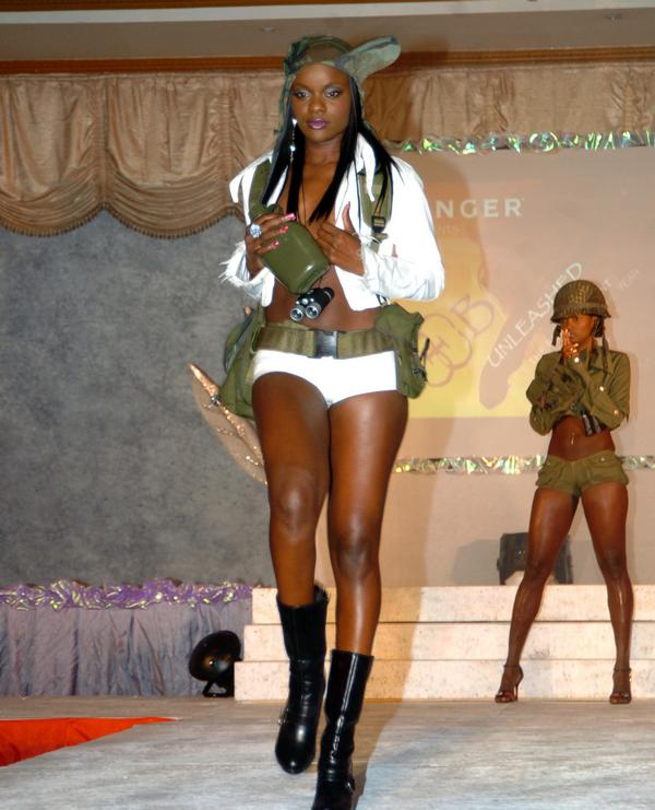 Jan 28, 2009 opening biggy fashion show with nadine lewis in the back