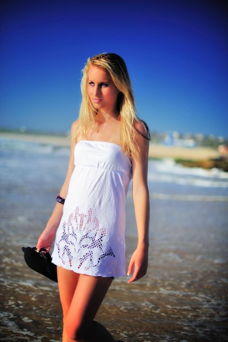 Male and Female model photo shoot of Ed Hobbs and AllyH in Maroubra Beach