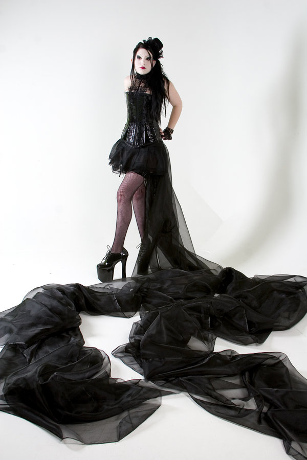 Feb 04, 2009 Madame overbust 1