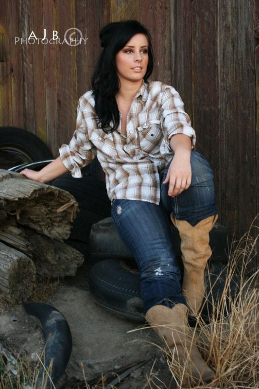 Female model photo shoot of DanaBrooke