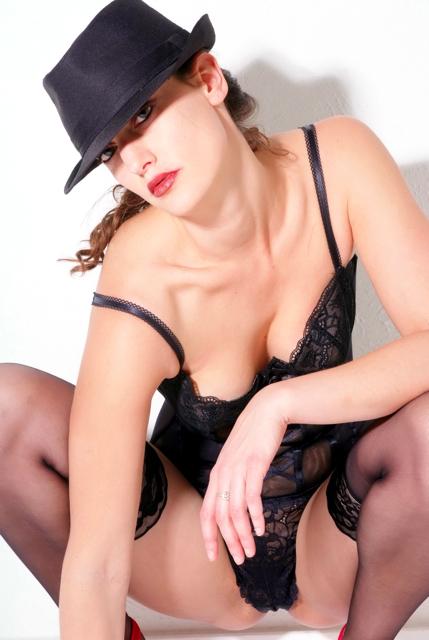 Female model photo shoot of Rebecca Rome