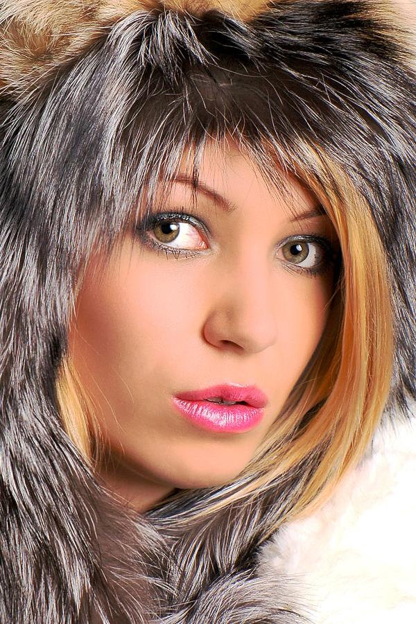 Female model photo shoot of Lisa18