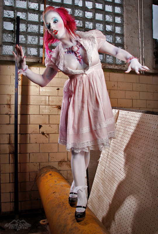 Female model photo shoot of Shashonna Knecht FX