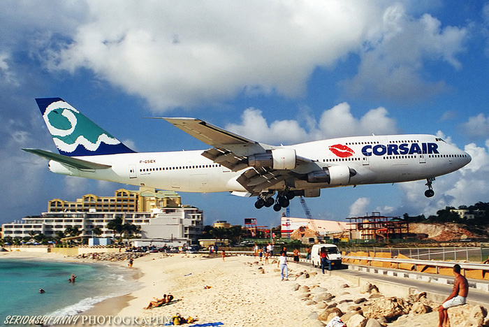 St. Maartin Feb 12, 2009 SeriouslyFunny Photography Again, no, its not Photoshopped! Search youtube for SXM landings.