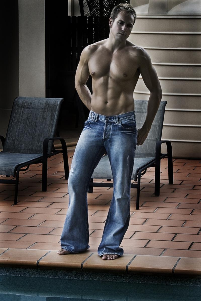 Male model photo shoot of Bart Verschuuren in Undisclosed