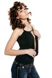http://photos.modelmayhem.com/photos/090216/22/499a606968b92_m.jpg