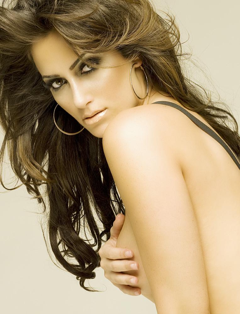Female model photo shoot of i am bebe in Whitebox Studio Hollywood