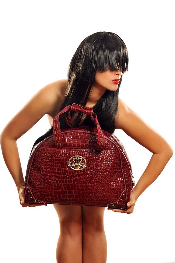 Bag heaven  Feb 19, 2009 Maxxshots/CyCy Bag me!