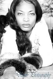 Female model photo shoot of Lauren Bess