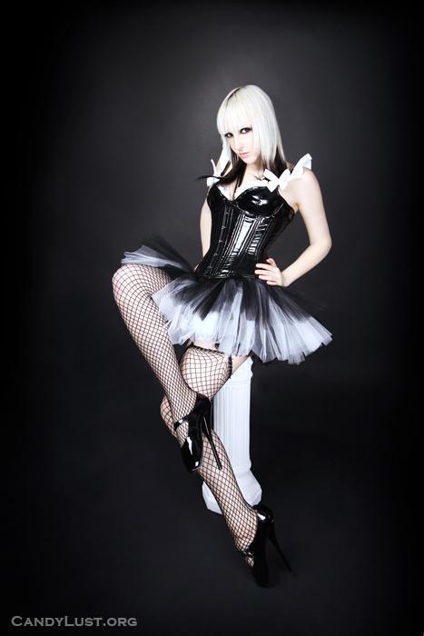 Mar 03, 2009 Skirt by MTCoffinz