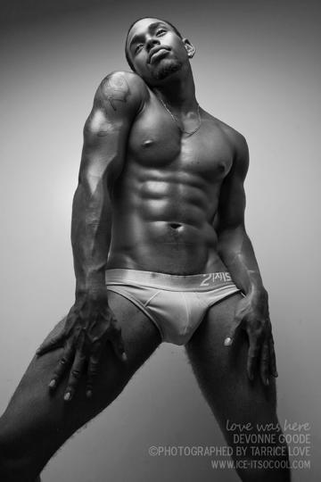 Male model photo shoot of DeVonne Goode