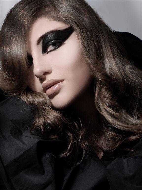 Toronto Mar 04, 2009 Magda M; Photographer, Juila - Next; Model Noir