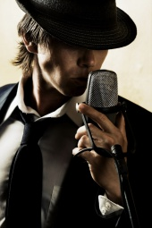 http://photos.modelmayhem.com/photos/090308/13/49b4283572406_m.jpg