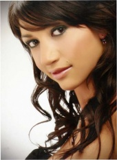 http://photos.modelmayhem.com/photos/090308/17/49b461e237741_m.jpg