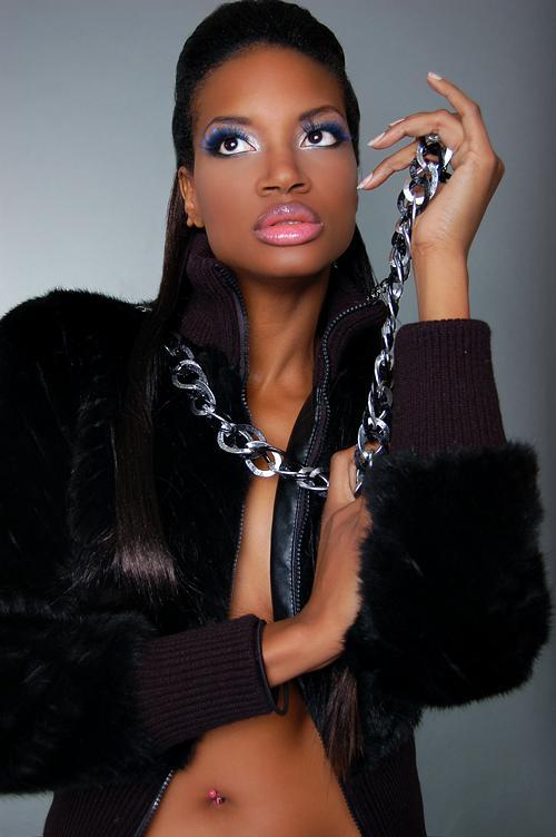 Mar 09, 2009 Ayesha Gilani (Limelight Beauty Artistes)---MUA