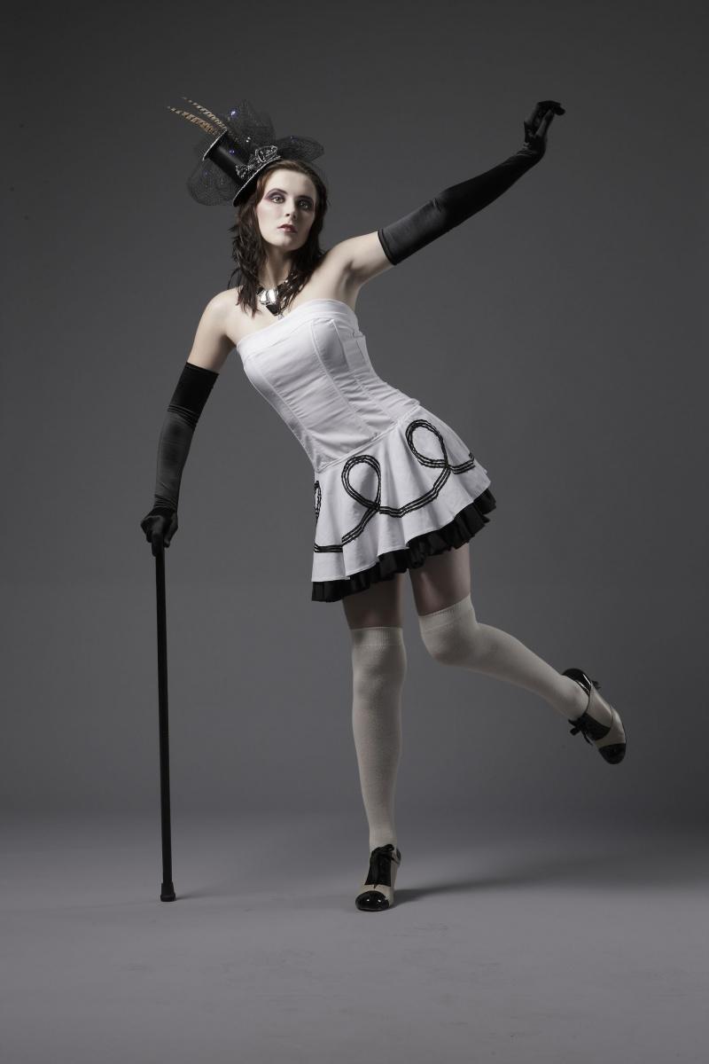 Mar 14, 2009 PHOTOGRAPHER: Dario Gardiman   MUA: Alison   WARDROBE: My Own