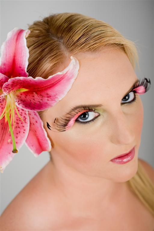 Mar 15, 2009 © New Regent Studios Ltd Model with large lily in hair