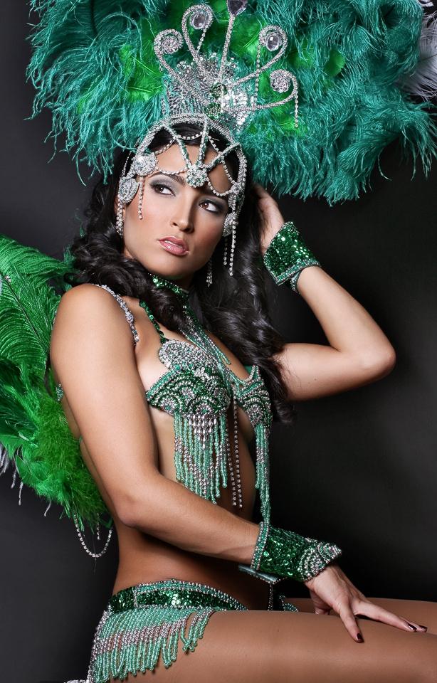 Mar 24, 2009 Brazilian Lady in Costume