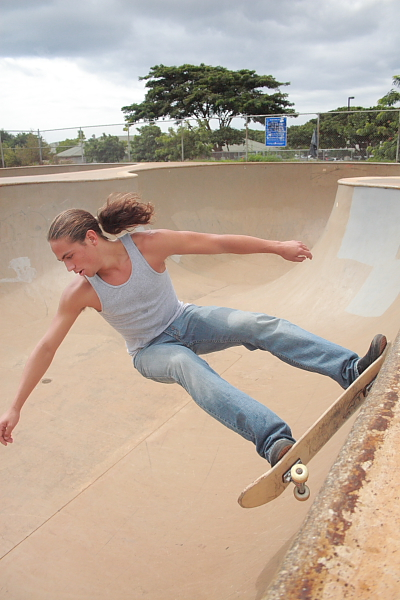 ewa, hawaii Mar 25, 2009 richard cheski i skate too