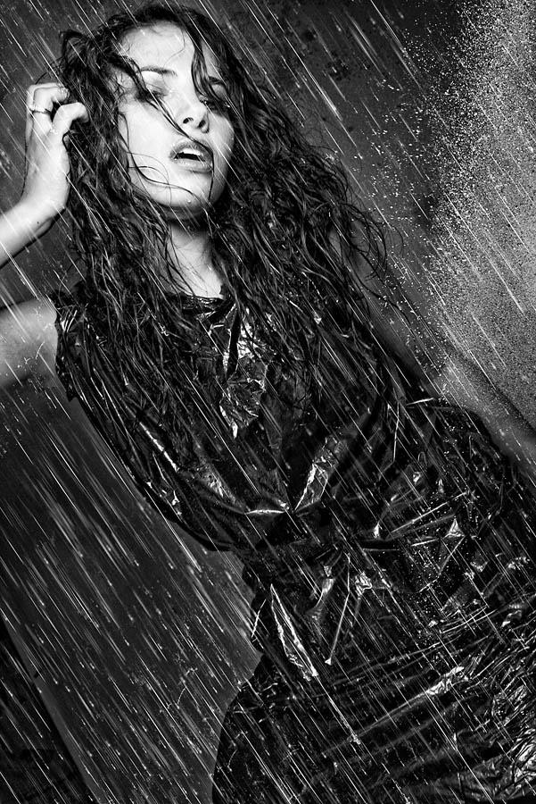 Mar 27, 2009 eyeworkds rain on me