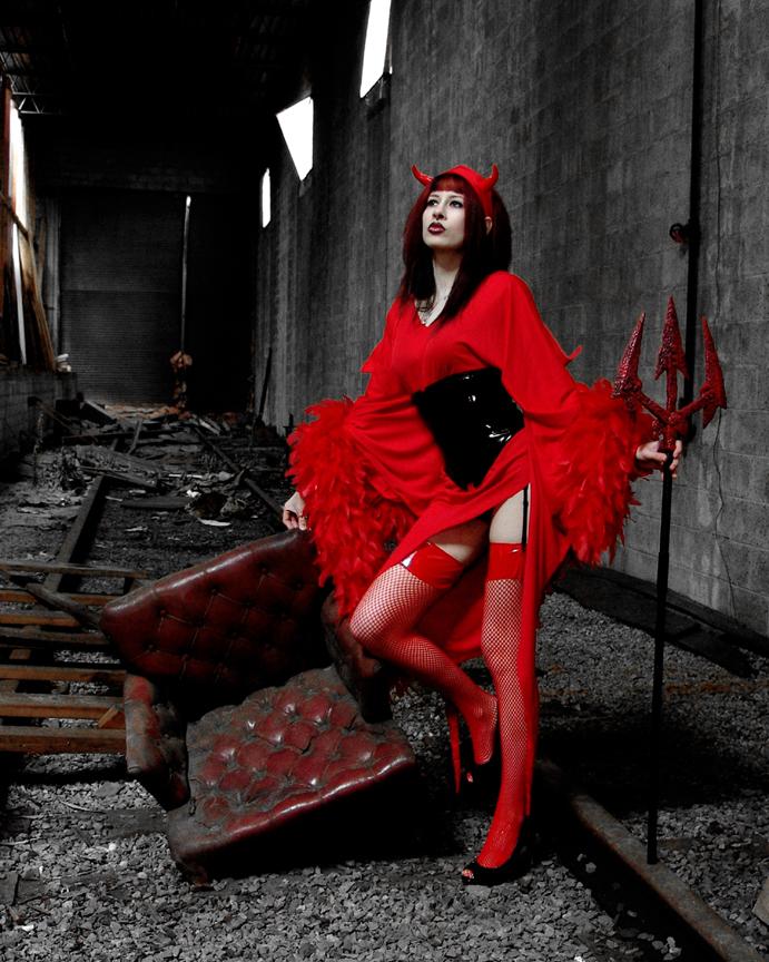 Pen Warehouse Group Shoot Mar 28, 2009 Larry A Woodruff She Devil