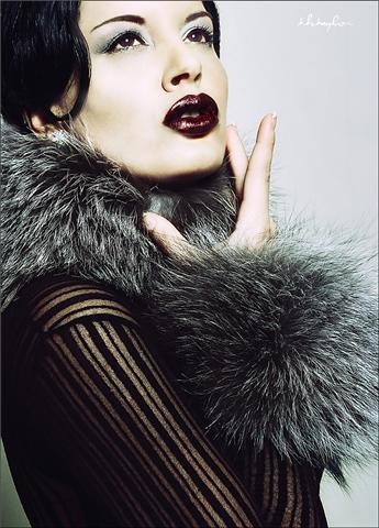 https://photos.modelmayhem.com/photos/090401/16/49d3f677ca14b.jpg