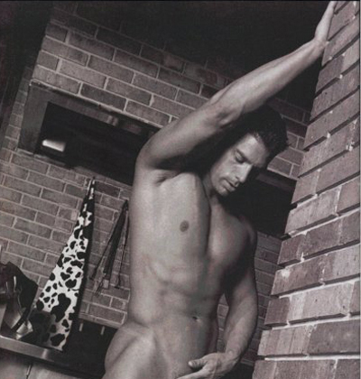 Apr 05, 2009 Playgirl centerfold pic