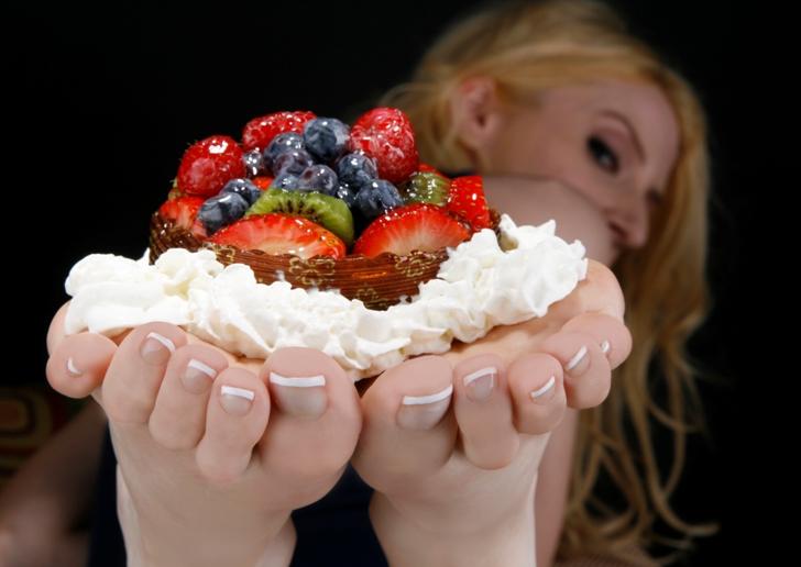 IBY Studios, Roseville, CA Apr 06, 2009 IBY Studios 2009 Dip into Daynas Fruit Tart!