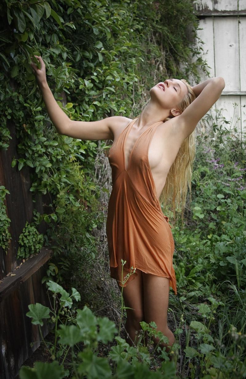 Female model photo shoot of Alexandra RR