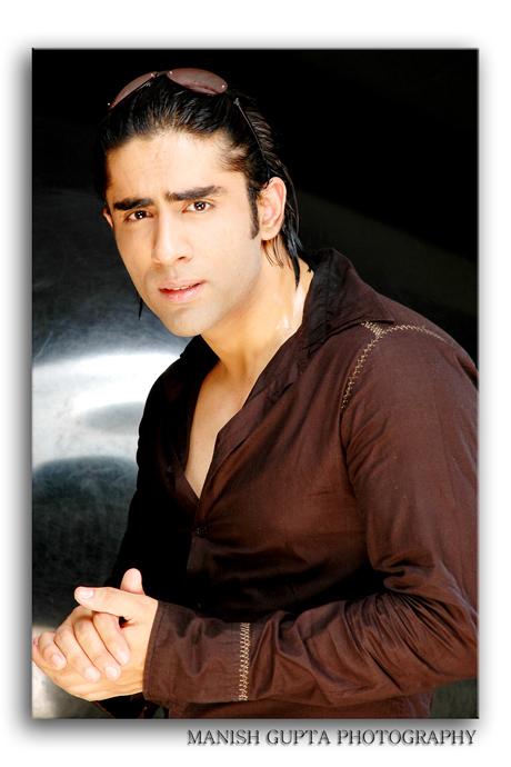 Male model photo shoot of Sunny Kapoor