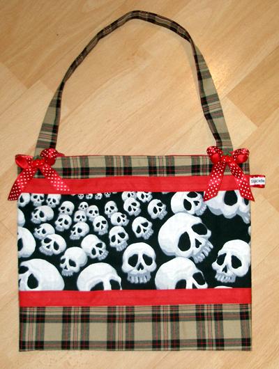 Apr 23, 2009 Little Fears Design Rocky bag