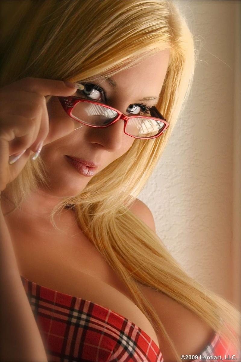 Las Vegas, Nevada Apr 24, 2009 Lentiart, LLC. The Glasses