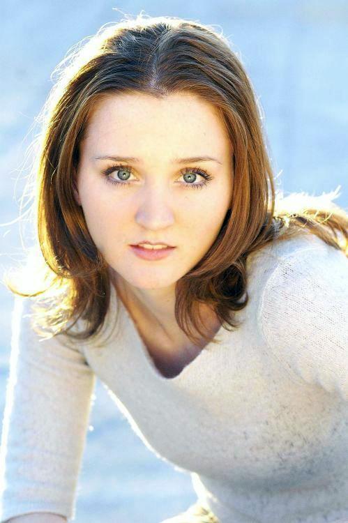 Female model photo shoot of Ashley  Lamont